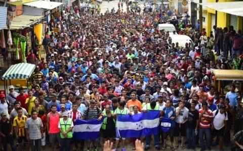 TRES MIL HONDUREÑOS CRUZARÁN MÉXICO AUNQUE NO LES DEN PERMISO DIJERON