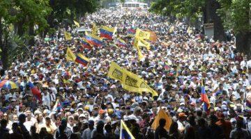 CONVOCAN A UNA GRAN MANIFESTACION CONTRA MADURO