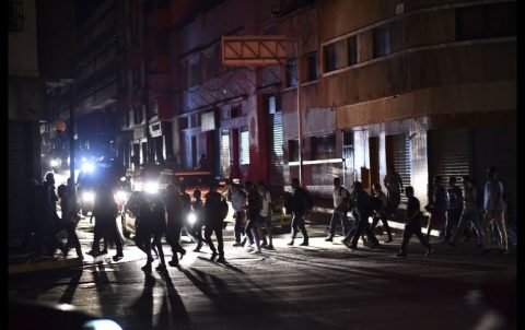 VENEZUELA ENFRENTA EL APAGÓN MASIVO MÁS LARGO DE SU HISTORIA