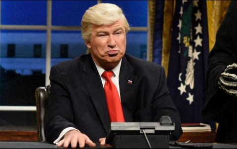 "DONALD TRUMP VA CONTRA ""SATURDAY NIGHT LIVE"""