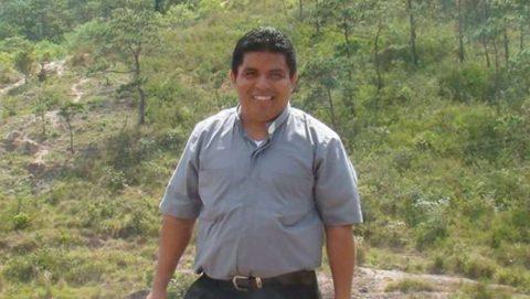 PRESUNTOS PANDILLEROS MATAN A JOVEN SACERDOTE EN EL SALVADOR