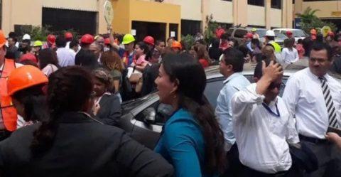CUATRO RÉPLICAS TRAS FUERTE SISMO DE 5.9 EN EL SALVADOR