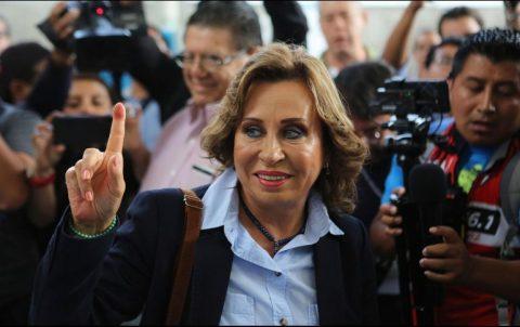ENTRE CONFLICTOS, GUATEMALA ELIGE NUEVO PRESIDENTE