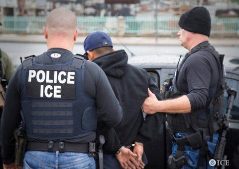 ICE ARRESTA A 140 PERSONAS EN 6 ESTADOS DURANTE 5 DIAS (92 SON DE MÉXICO)